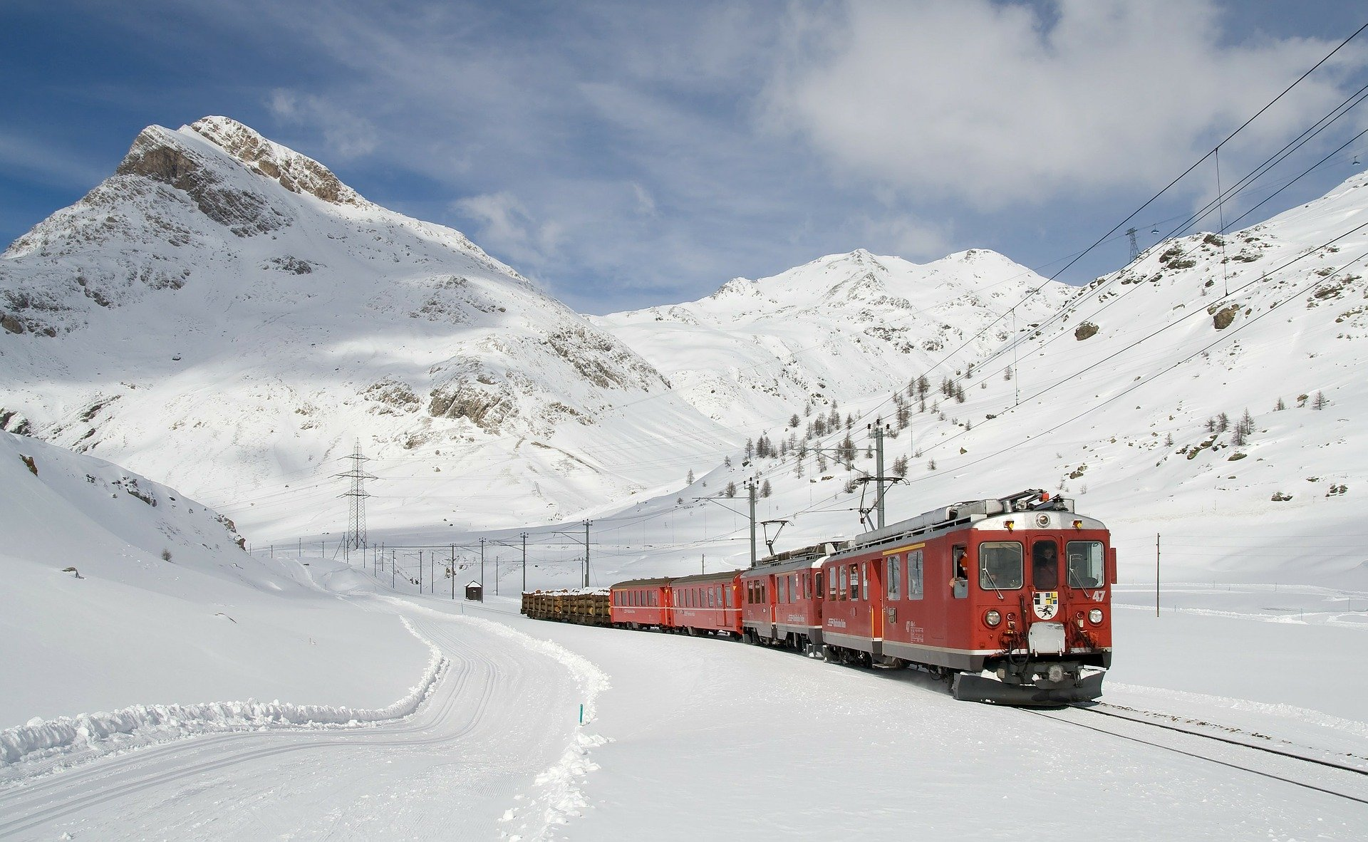 A train traveling in the mountains